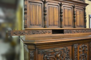 J03-116 Cabinet with Neptune Carvings - Slider